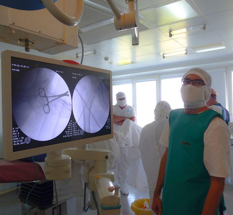 Челябинские травматологи будут лечить артрозы с помощью электростимуляторов